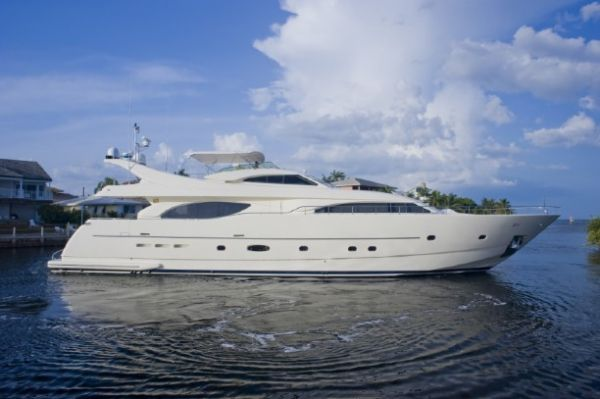 94-foot Ferretti yacht. Photo from www.showmanagement.com