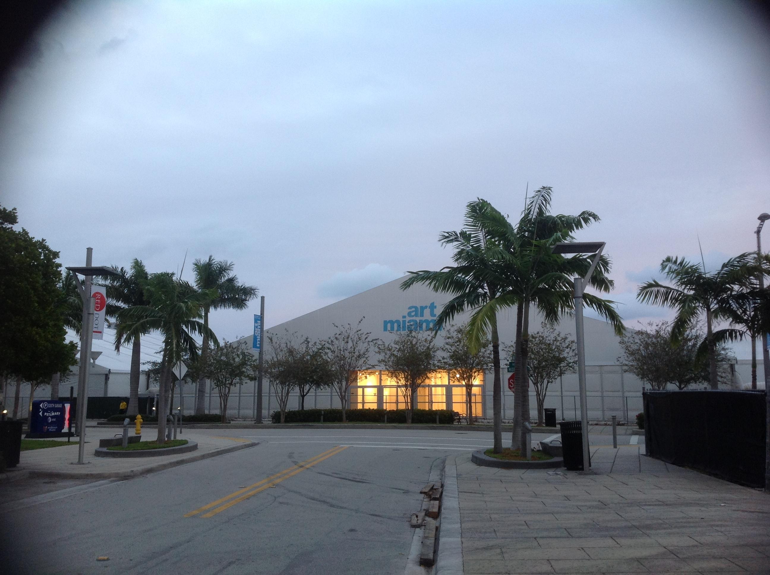 Art Miami tent & Design Miami | Miami feels like home...