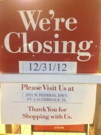 Barnes and Nobles Aventura closing sign