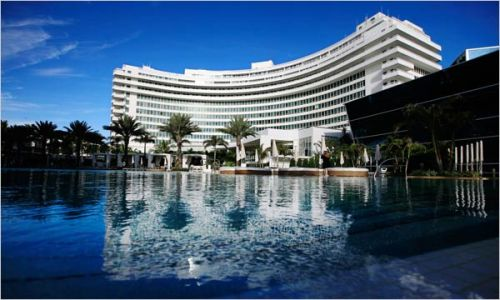 The Fountainebleau hotel-Miami Beach. Photo from oliom.com